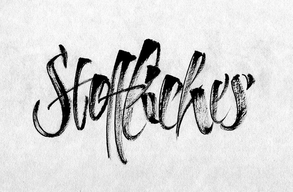 Kalligrafieren auf textilen Materialien